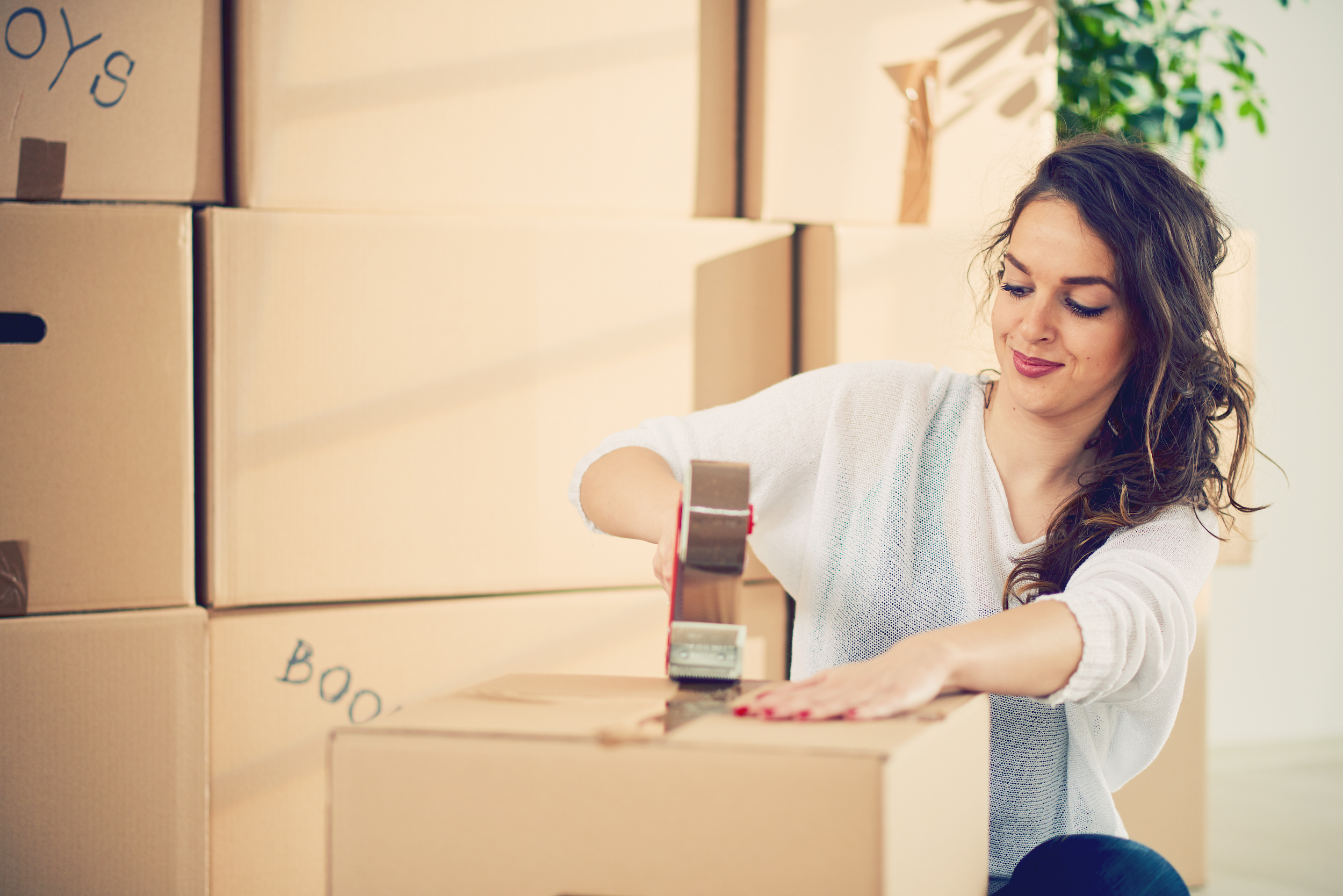 Packing Fragile, Personal Possessions: How We Pack Our Moving Boxes